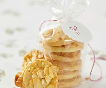 Almond shortbread biscuits