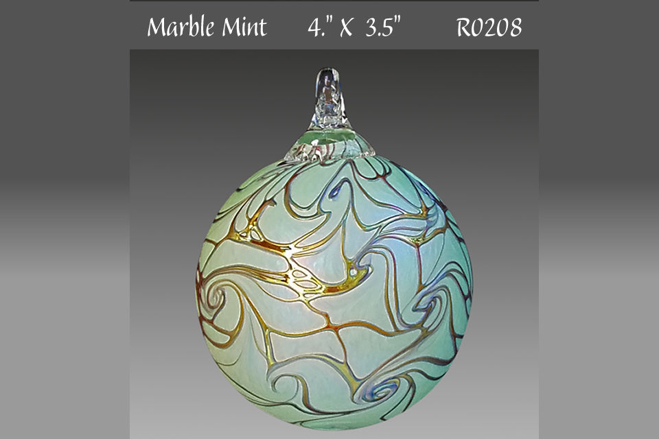 Round Ornament: Marble Mint