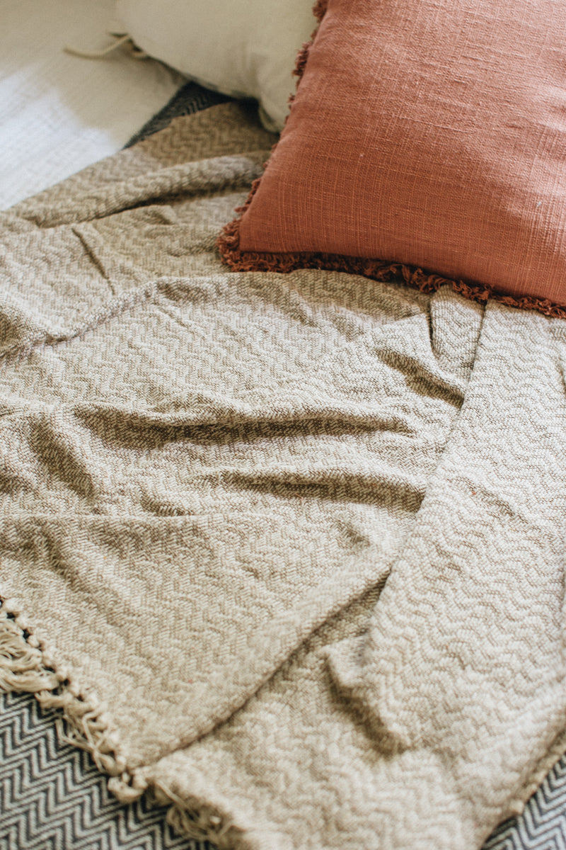 Coffee Wave Cotton Throw