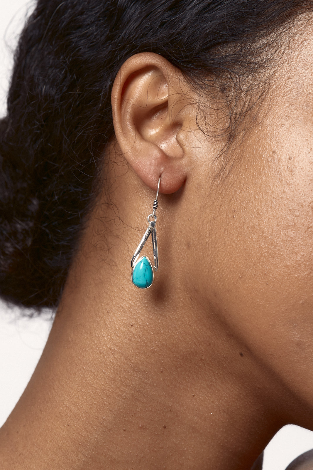 Gomeda Earrings