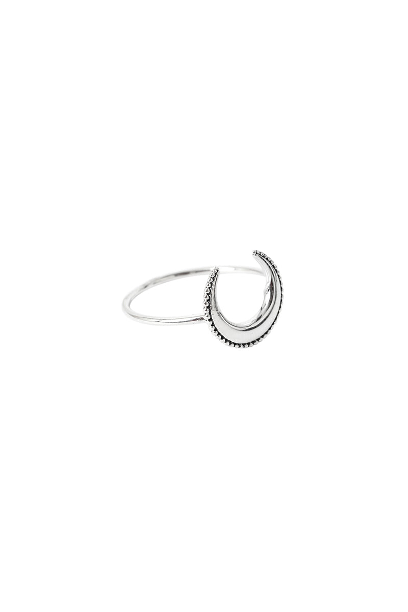 Yue Crescent Moon Ring