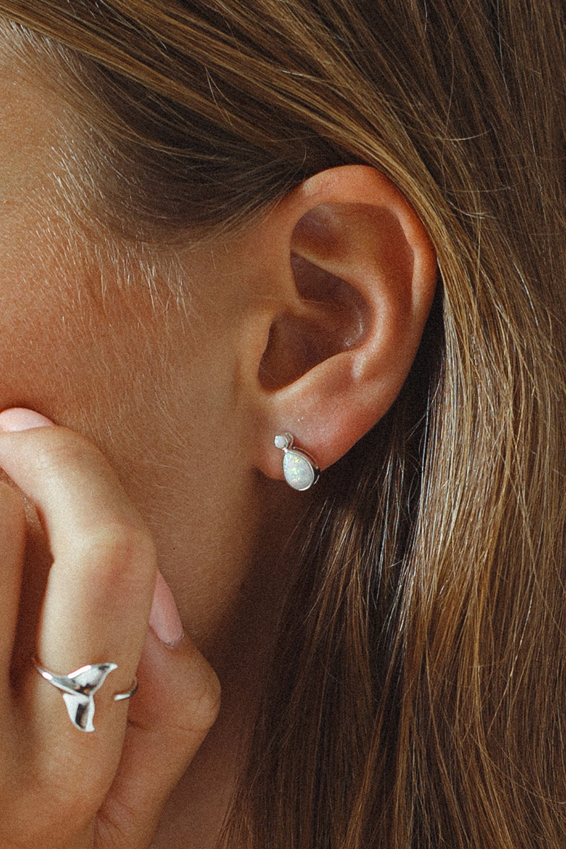 Round Zirconia with Faceted Teardrop Studs