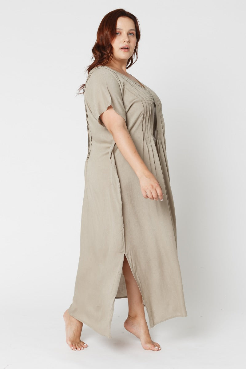 Pia Pintucks Kaftan