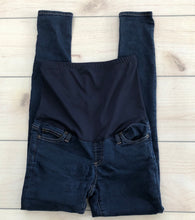 Load image into Gallery viewer, Gap Maternity Skinny Jeans Size Small