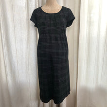 Load image into Gallery viewer, A Pea In The Pod Dress Size Small