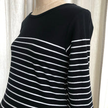 Load image into Gallery viewer, Jojo Maman Bebe Striped Top Size Small