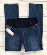 Load image into Gallery viewer, Liz Lange Bootcut Jeans Size 8 NWT
