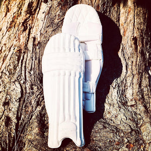 Open image in slideshow, Morton & Carson All White Platinum Batting Pads - The Cricket Store