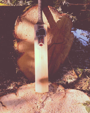 Wombat Boughton Limited Edition Handcrafted English Willow Cricket Bat - The Cricket Store (3)