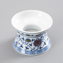 "Load image into Gallery viewer, Tea Strainer / Filter ""Qing Hua Ci"" (Blue and White Porcelain) Twining Lotus Pattern - King Tea Mall"