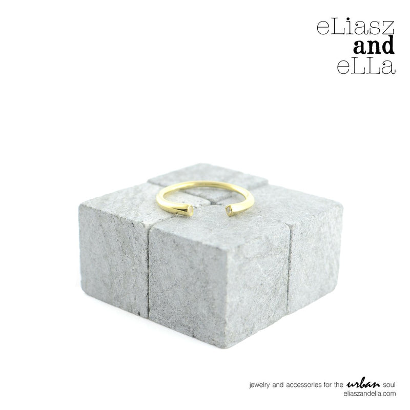 Eliasz and Ella RisQue Ring - Saradee Boutique