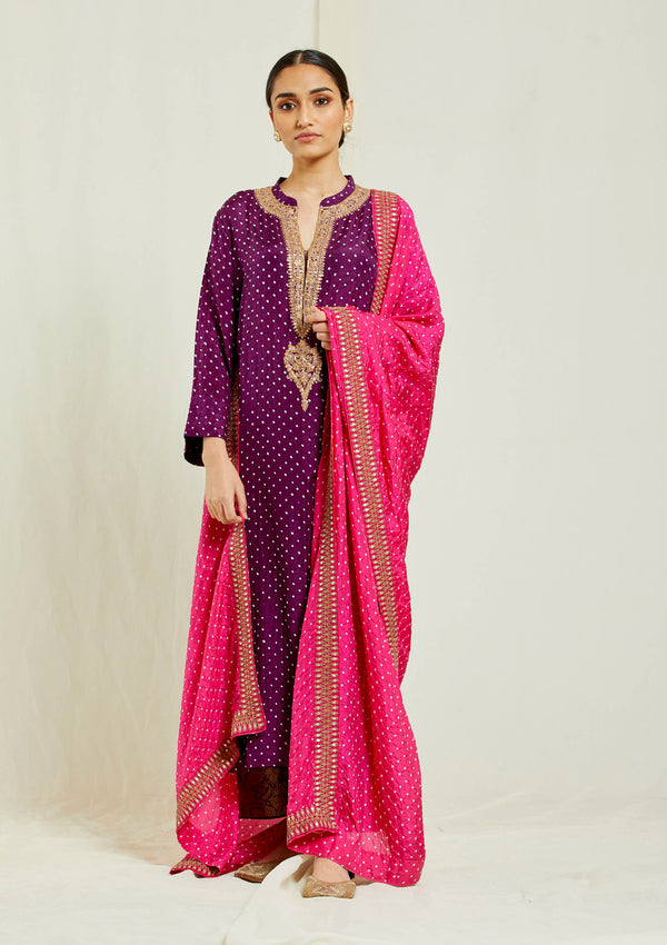 Fuschia bandhani dupatta with embroidered border