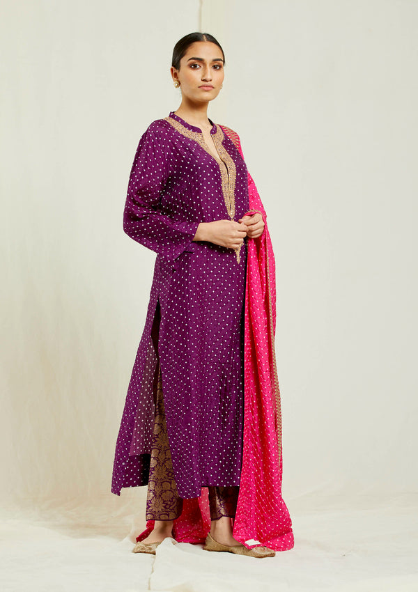 Dark magenta bandhani neck buta embroidered kurta with brocade pant
