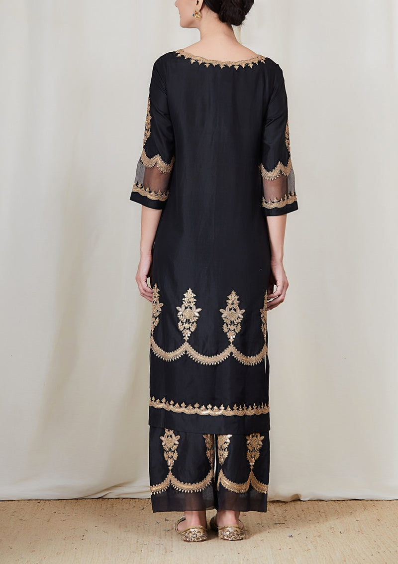 Black Scallop Neckline Embroidered Straight Kurta with Pants