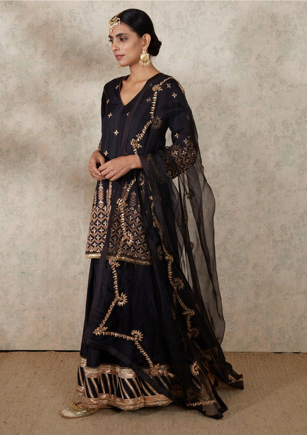 Black Scallop Embroidered Organza Dupatta