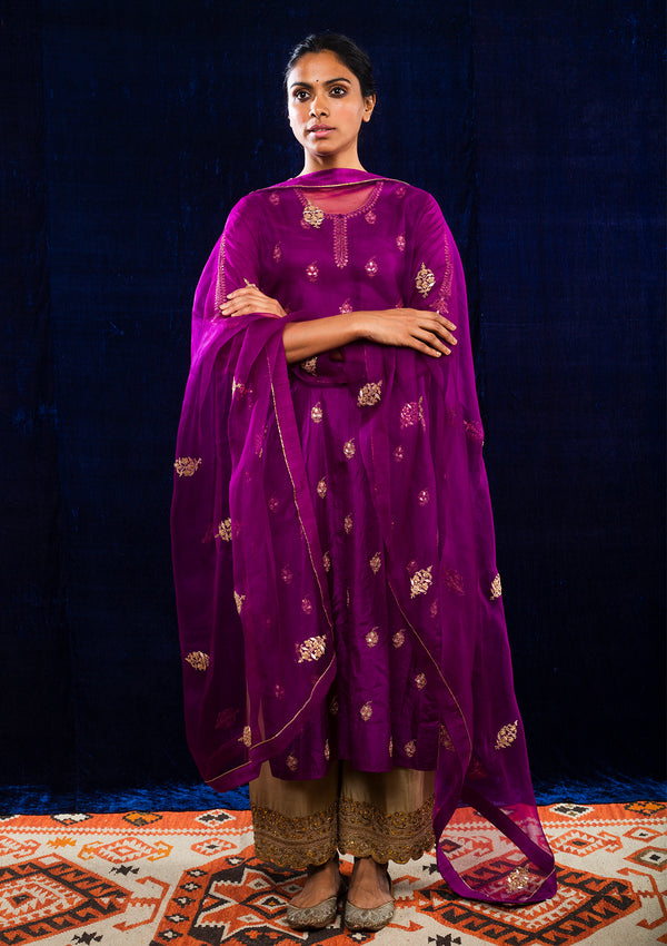 Magenta Buti Embroidered Kurta with Beige Pants