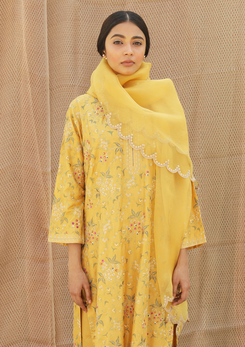 Yellow Organza Dupatta With Scallop Embroidered Edging