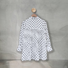 Load image into Gallery viewer, Zae Top Large Polka (Pleats) White