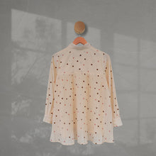 Load image into Gallery viewer, Zae Top Polka (Pleats) Ivory