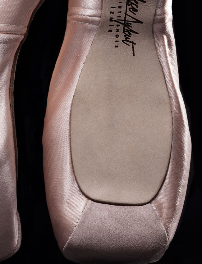Gokce Aykut Pointe Shoe No.2 Deep Vamp