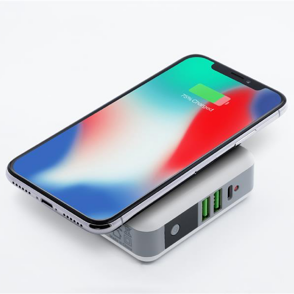4-in-1 Wireless Travel Charger and Power Bank