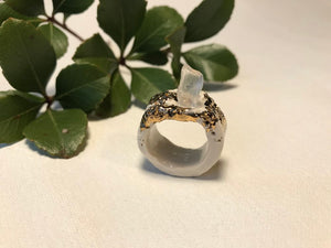 Porcelain, gold luster, quartz ring size 11.5