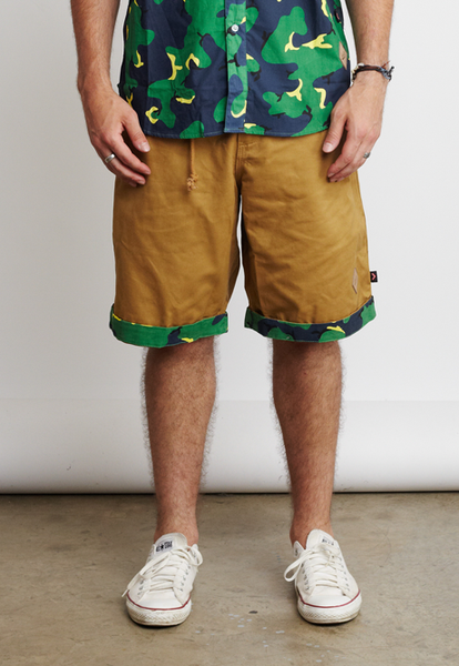 CAMO/TRIANGLES SHORTS