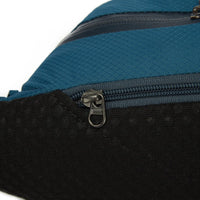 Pacsafe Venturesafe X Anti-Theft Hip Pack Zipper Detail
