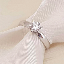 Load image into Gallery viewer, Issa Engagement Ring