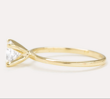 Load image into Gallery viewer, Calvi Engagement Ring
