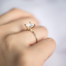 Load image into Gallery viewer, Perry Engagement Ring