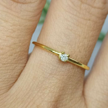 Load image into Gallery viewer, Daisy Dainty Engagement Ring