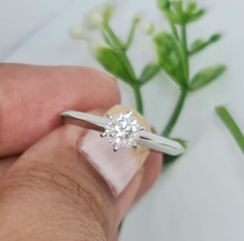 Load image into Gallery viewer, Reniel Engagement Ring