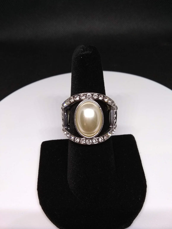 Paparazzi Accessories Radiating Riches - White Ring - Mel's Pretty It Up Boutique