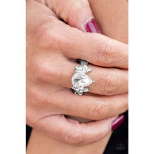 Paparazzi Accessories Yas Queen – White Ring - Mel's Pretty It Up Boutique