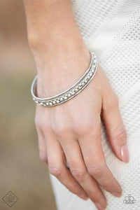 Paparazzi Accessories Ballroom Bauble - White Bracelet - Mel's Pretty It Up Boutique