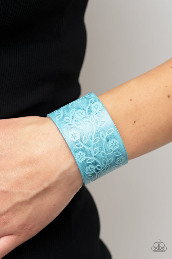 Paparazzi Accessories Shimmer and Sass - Black Snap/Wrap Bracelet