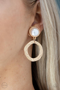 Paparazzi Accessories Point Blank - Silver Earring - Mel's Pretty It Up Boutique