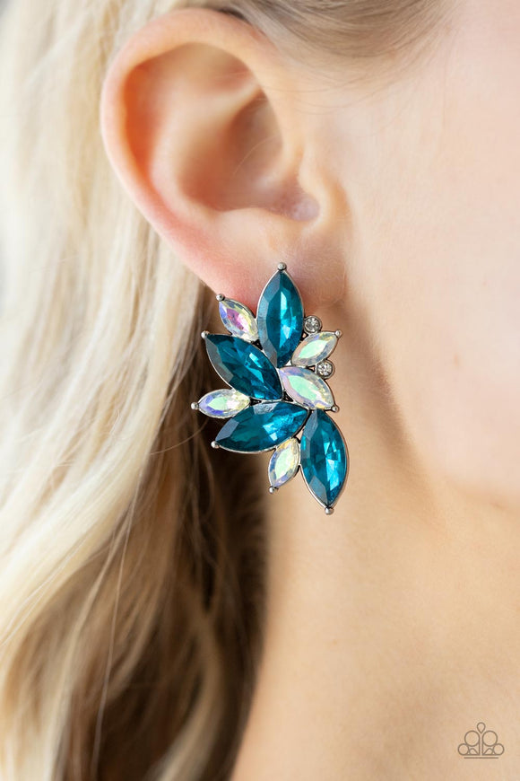 Paparazzi Accessories A Double Feature - Silver Earring - Mel's Pretty It Up Boutique