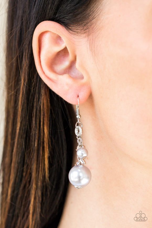 Paparazzi Accessories Timelessly Traditional - Silver Earring