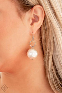 Paparazzi Accessories Wall Street Welcome Party - Silver Earring - Mel's Pretty It Up Boutique