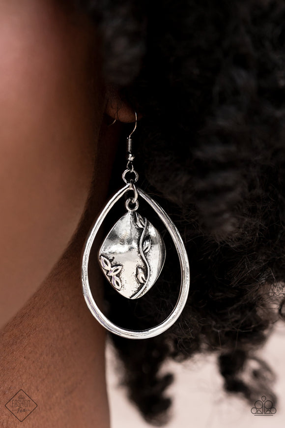 Paparazzi Accessories Cosmic Heiress - White Earrings
