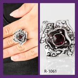 Paparazzi Accessories Glowing Gardens - Purple Ring