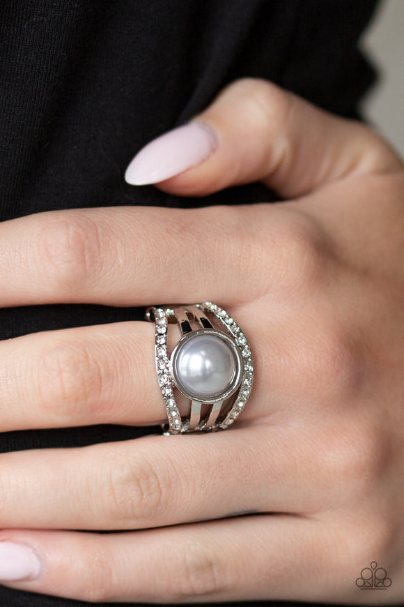 Paparazzi Accessories A Big Break - Silver Ring - Mel's Pretty It Up Boutique