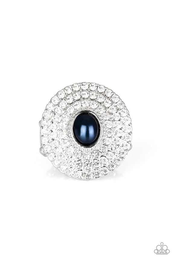 Paparazzi Accessories The Overachiever - Green Ring - Mel's Pretty It Up Boutique