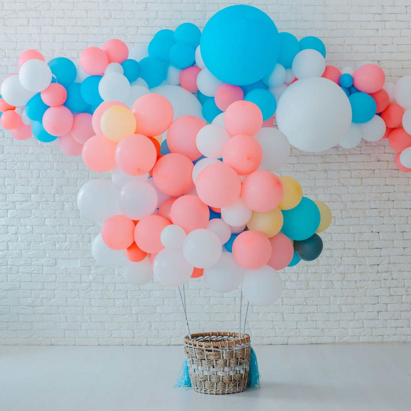 Balloon Garland | Shop Our Gorgeous DIY Balloon Garland & Arch Kits