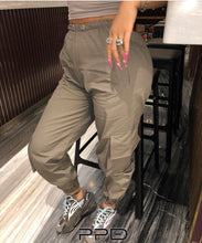 Load image into Gallery viewer, Christina Cargo Pants