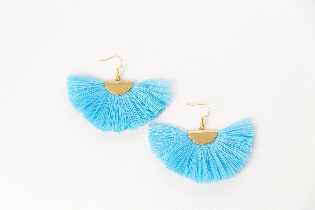 THE ROBIN fan sky blue tassel earrings