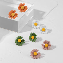 Load image into Gallery viewer, White Daisy Stud Earrings