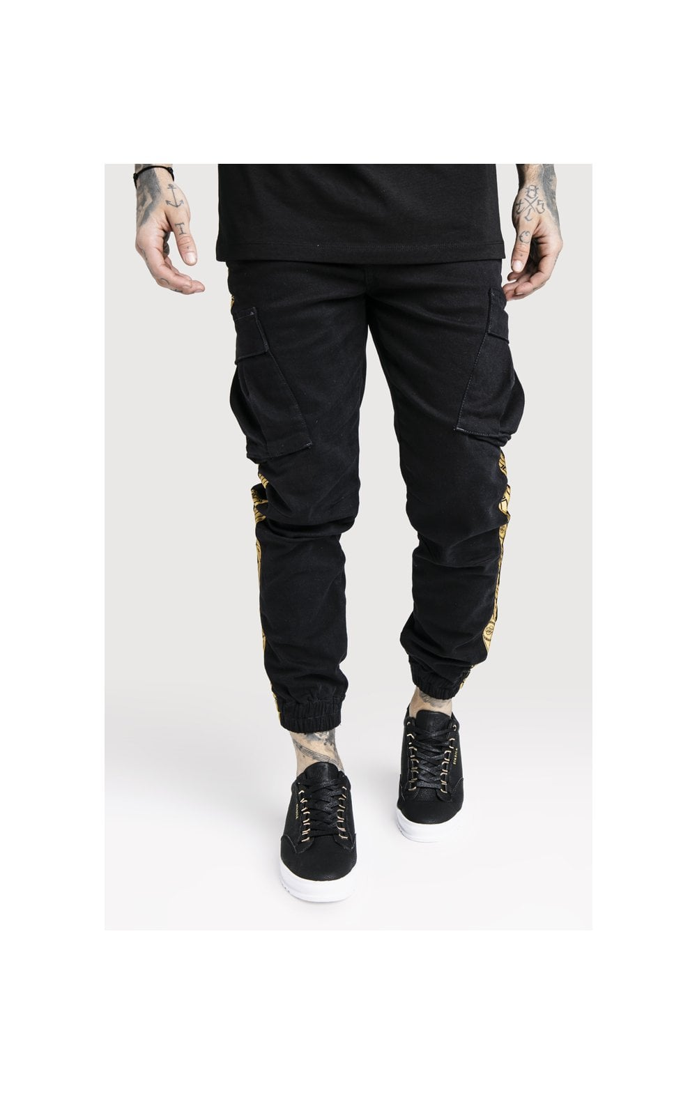 Load image into Gallery viewer, SikSilk x Dani Alves Cargo Pants - Black (2)